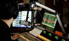 Rádio acompanha retomada econômica nos EUA
